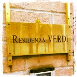Situato a Tabiano Bagni nel comune di Salsomaggiore, a pochi chilometri da Fidenza, Villa Verdi (ex Albergo Grande ed ex residenza privata di Maria Luigia) era l'albergo dove Giuseppe Verdi trascorse molte calde estati dal 1858 al 1892.